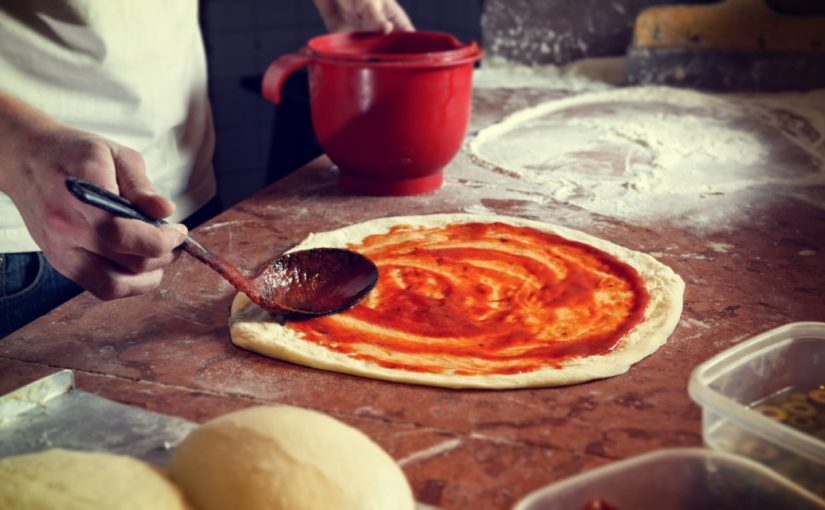 przepis na pizze z patelni